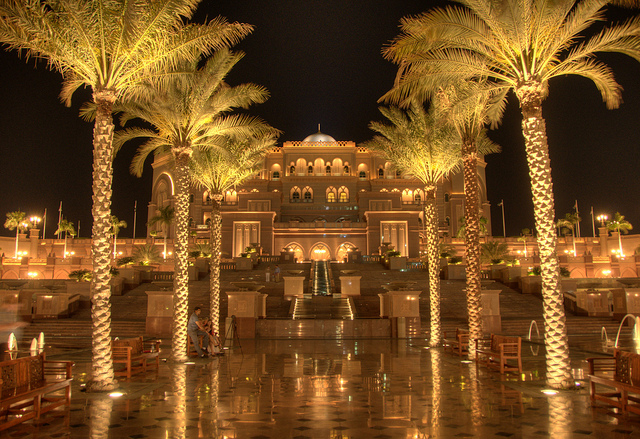 The 5 Most Insanely Luxurious Hotels in the World - Emirates Palace Hotel, Abu Dhabi - Image Via Flickr - By Rob Alter