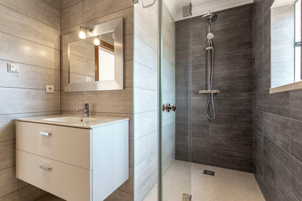 Bathroom, shower room with floating vanity