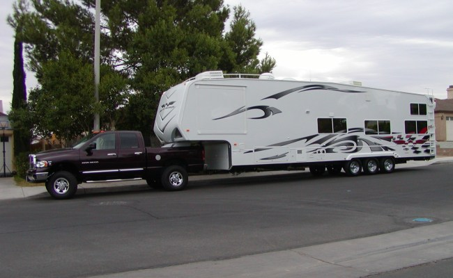 5th Wheels And Lifted Trucks Toyhauler Rv Talk Dumont