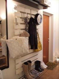 boot and coat rack made from used pallets - Dump A Day