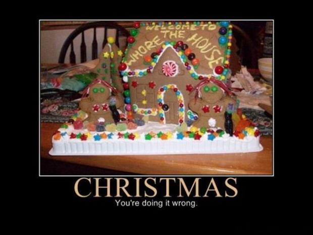 Gingerbread House Funny Christmas Pictures Dump A Day