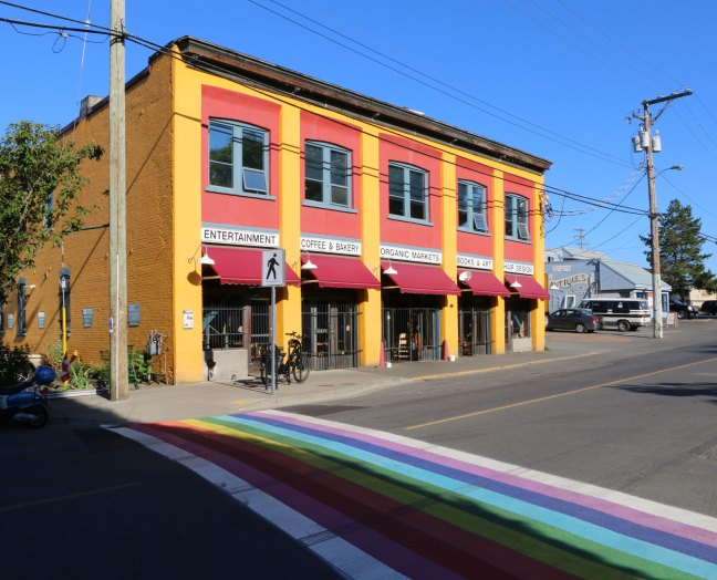 """Duncan Garage and """"Rainbow Crosswalk"""" on Duncan Street, 3 July 2018 (photo by DuncanTaxpayers.ca)"""