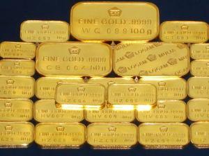 Penguatan dolar AS lemahkan harga emas.