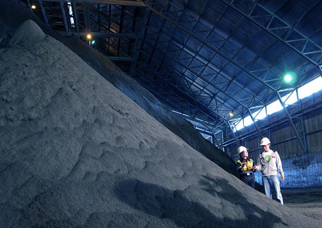Keran Ekspor Mineral Terus Dibuka, Kebijakan Hilirisasi Tambang Pemerintah Inkonsisten