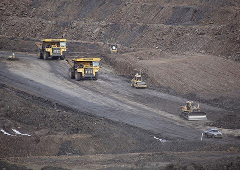 Kementerian ESDM Kaji Penggunaan Batu Bara untuk Produksi Anoda Baterai Listrik
