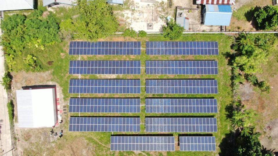 Investasi Rp45 Miliar, PLN Operasikan 10 PLTS di Kabupaten Raja Ampat