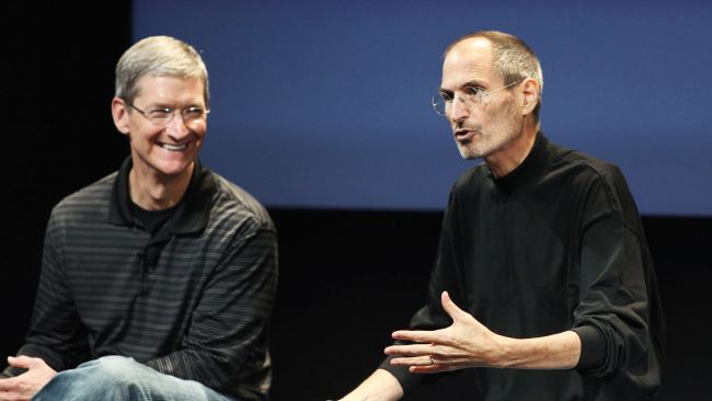 3043628-poster-p-1-tim-cook-tried-to-offer-steve-jobs-a-portion-of-his-liver