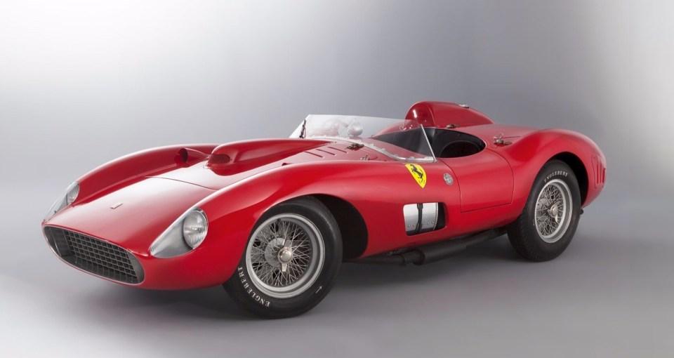 1957 yapımı Ferrari 335 S Spider Scaglietti'nin açık arttırmada bir otomobile verilen en yüksek değere ulaşarak dünya rekoru kırması bekleniyor.