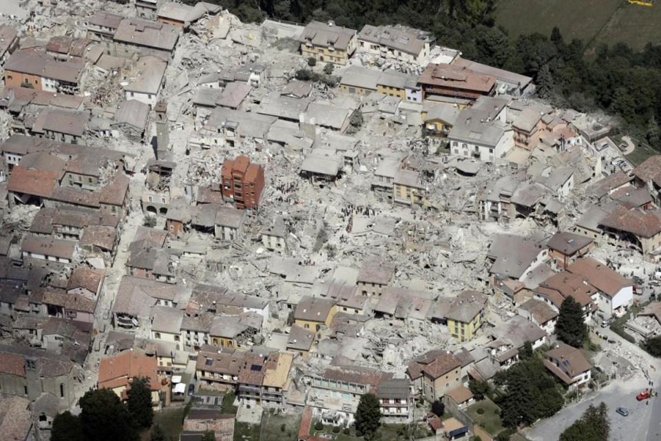 Her 10 sakininden birinin hayatını kaybettiği, meşhur All' Amatriciana spagettisinin memleketi Amatrice yerel lezzetine özgü bir festivale hazırlanıyordu. Bu sebeple kasaba her zamankinden daha kalabalıktı.