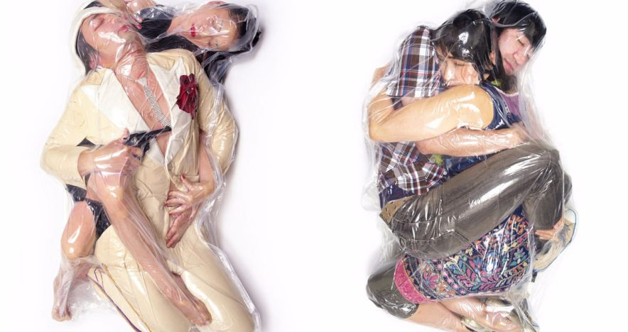 in-japan-vacuum-sealed-wedding-photos-are-absolutely-breathtaking3