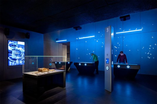 david-adjaye-spyscape-spy-museum-new-york-interiors-designboom-04