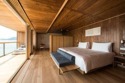 guntu-hotel-floating-seto-inland-sea-japan-designboom-04