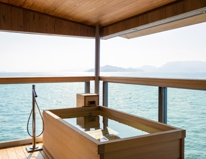guntu-hotel-floating-seto-inland-sea-japan-designboom-06