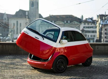 microlino-electric-car-street-le2