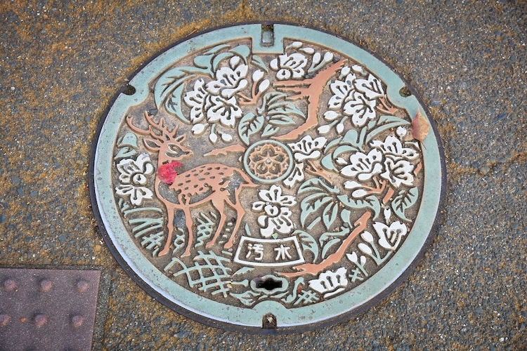 japanese-manhole-cover-art-2