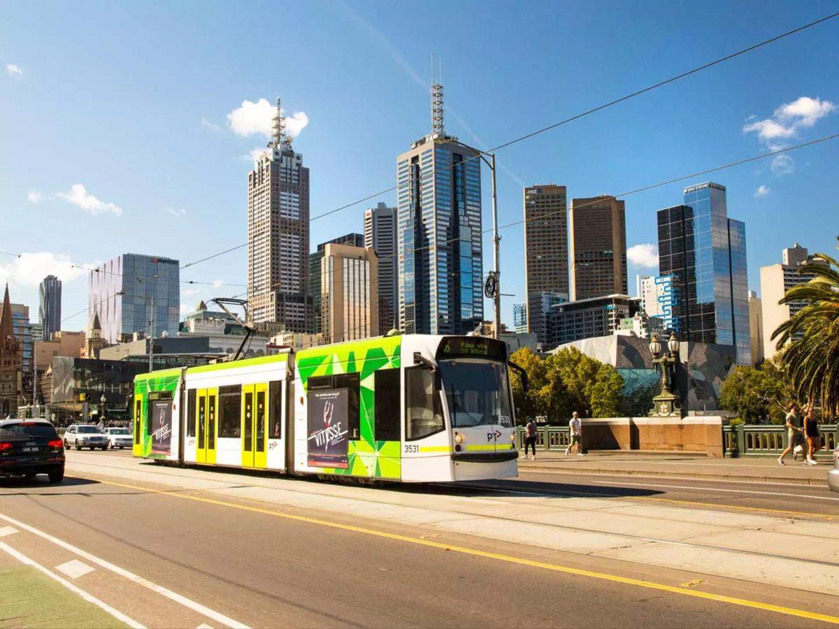 Melbourne tramvay hattı tamamen güneş enerjisiyle işletiliyor