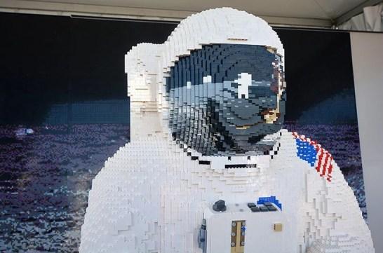 lego-buzz-aldrin-spacesuit-apollo-50-festival-designboom-3