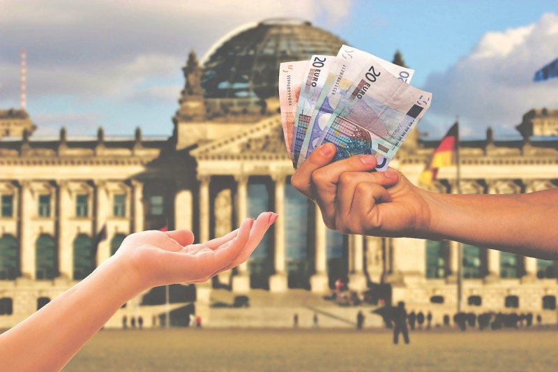 cash-in-hand-Germany