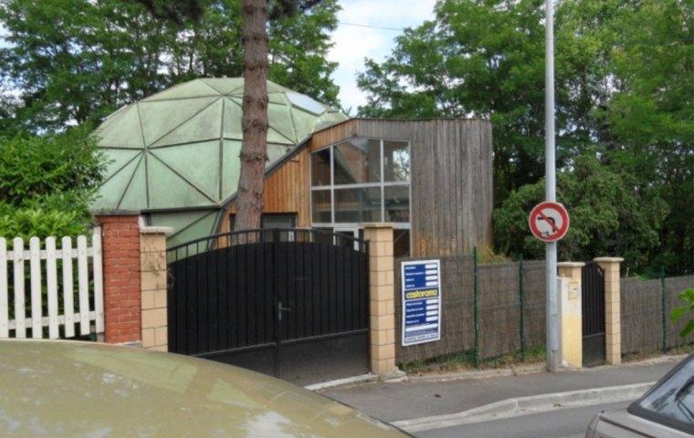Maison existante en forme de dôme