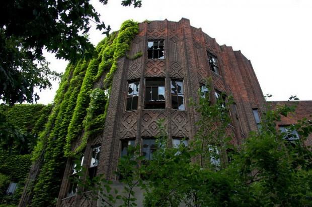Ghost Town Keelung in Taiwan  Duskys Wonders
