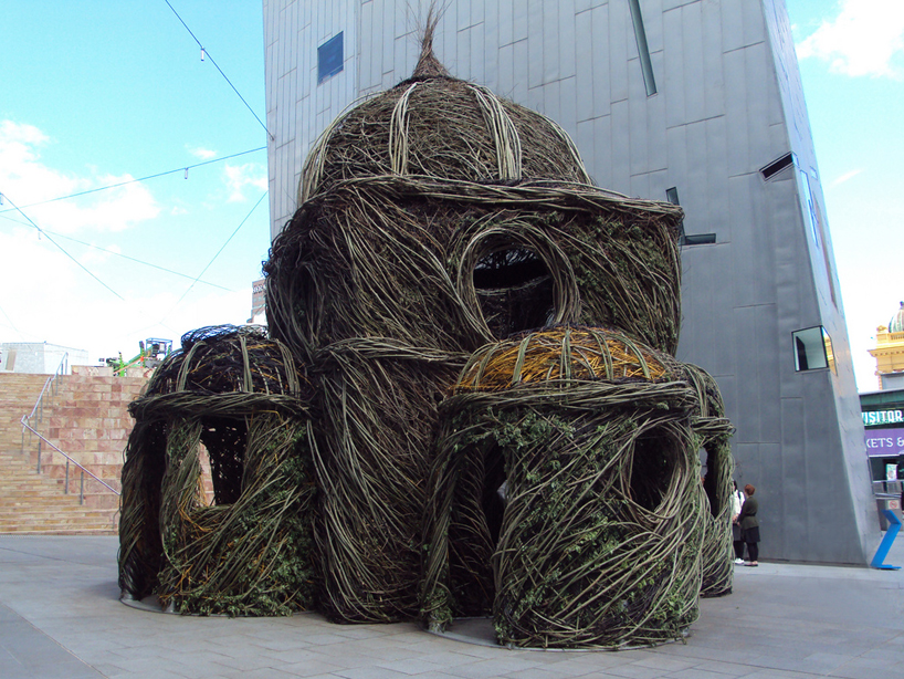 By Patrick Dougherty, made from willows