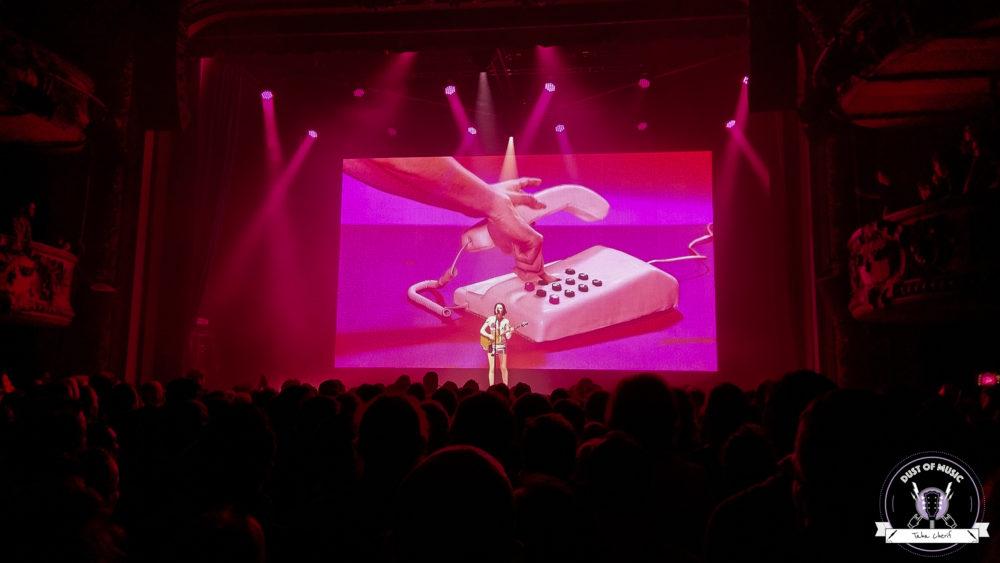 St Vincent Dust of Music stvincent cigale concert paris rock alternative