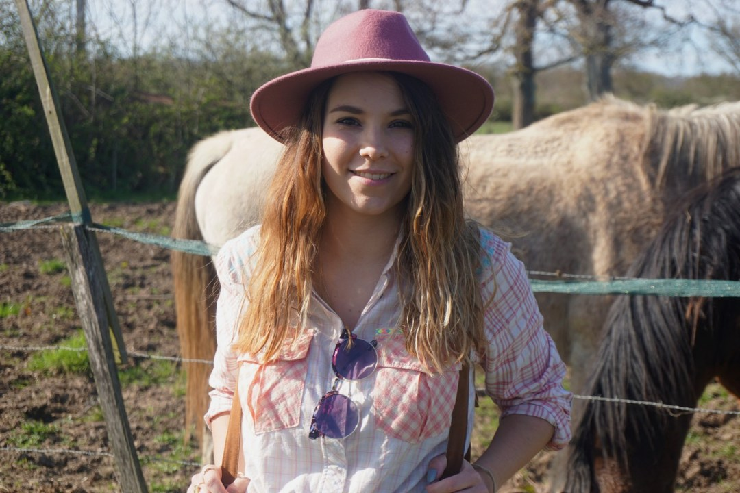LOOK WESTERN GIRLY COW GIRL CHAPEAU ROSE BLOG MODE BORDEAUX FRANCE CORSE FASHION CENTRE EQUESTRE 02