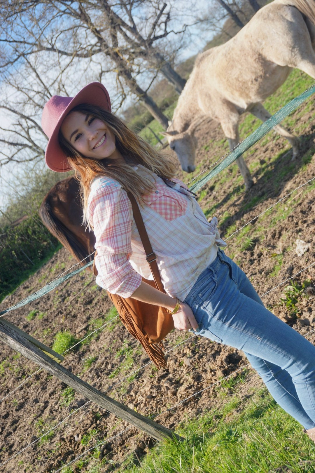 LOOK WESTERN GIRLY COW GIRL CHAPEAU ROSE BLOG MODE BORDEAUX FRANCE CORSE FASHION CENTRE EQUESTRE 11