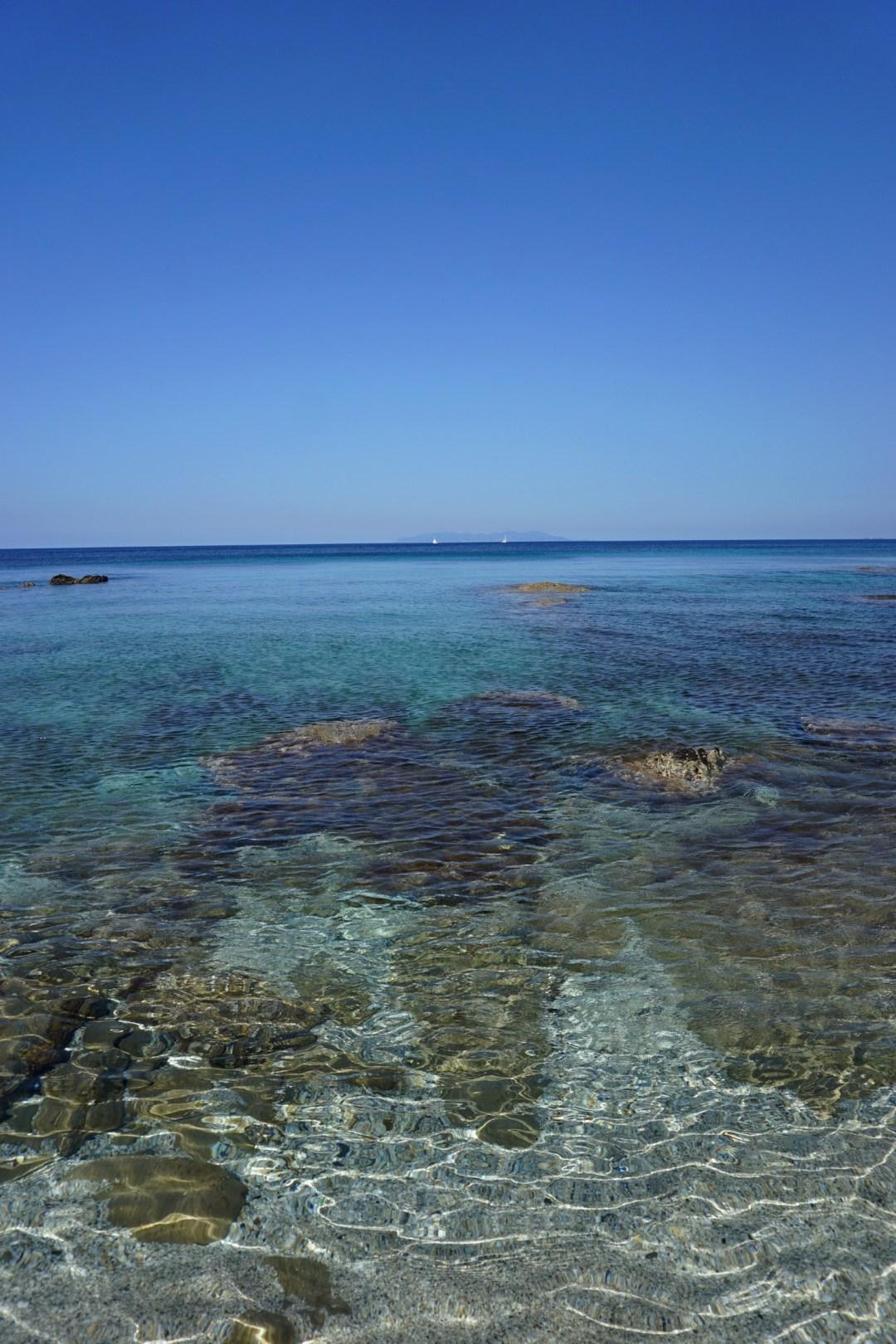 CRIQUE CAP CORSE CACHEE BLOG VOYAGE TOURISME BONNES ADRESSES PLAGE EAU TURQUOISE SANS TOURISTES 03