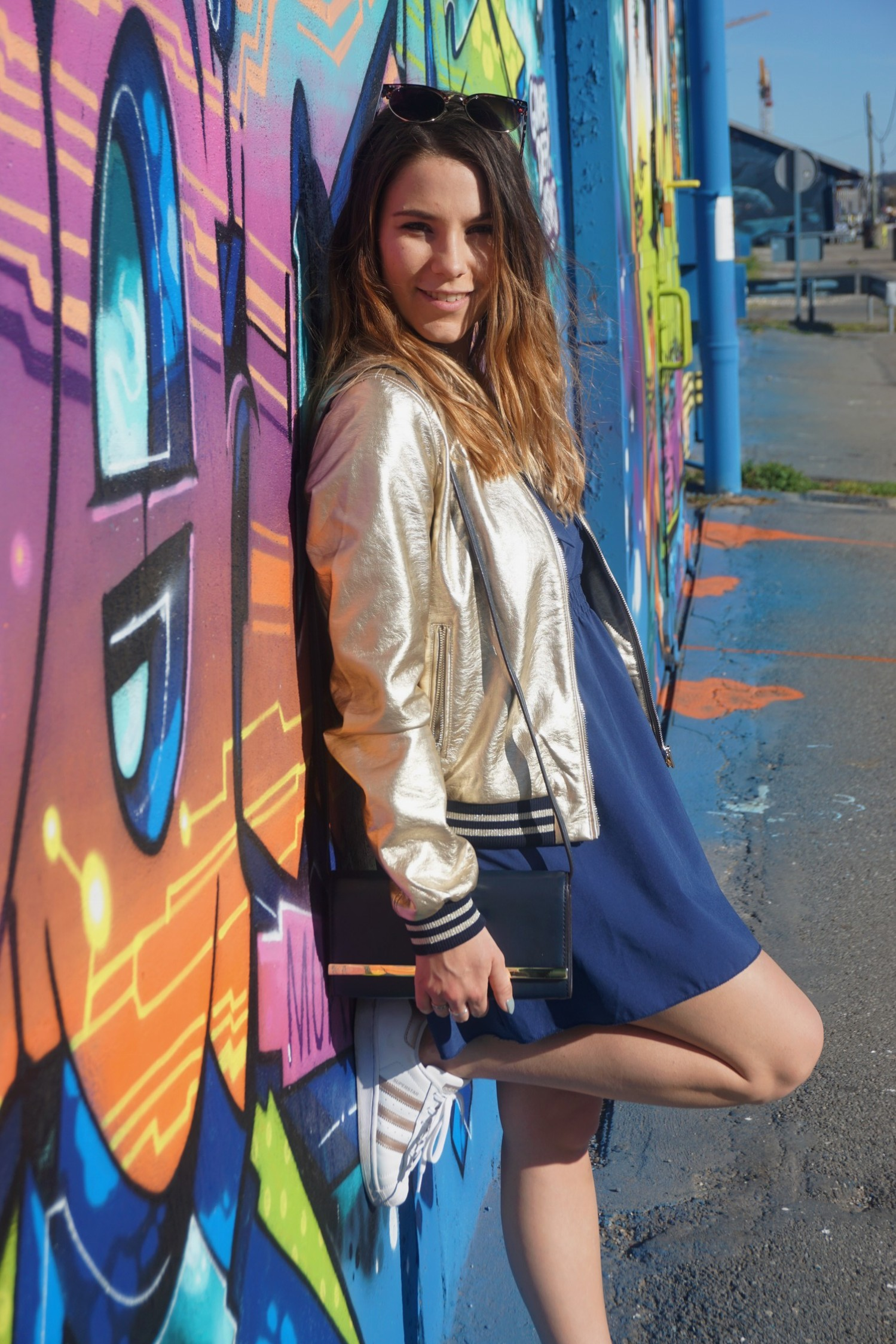 LOOK SPORTWEAR CHIC GOLD SHOOTING PHOTO BLOG MODE BLOGUEUSE BORDEAUX STREET ART BACALAN 09