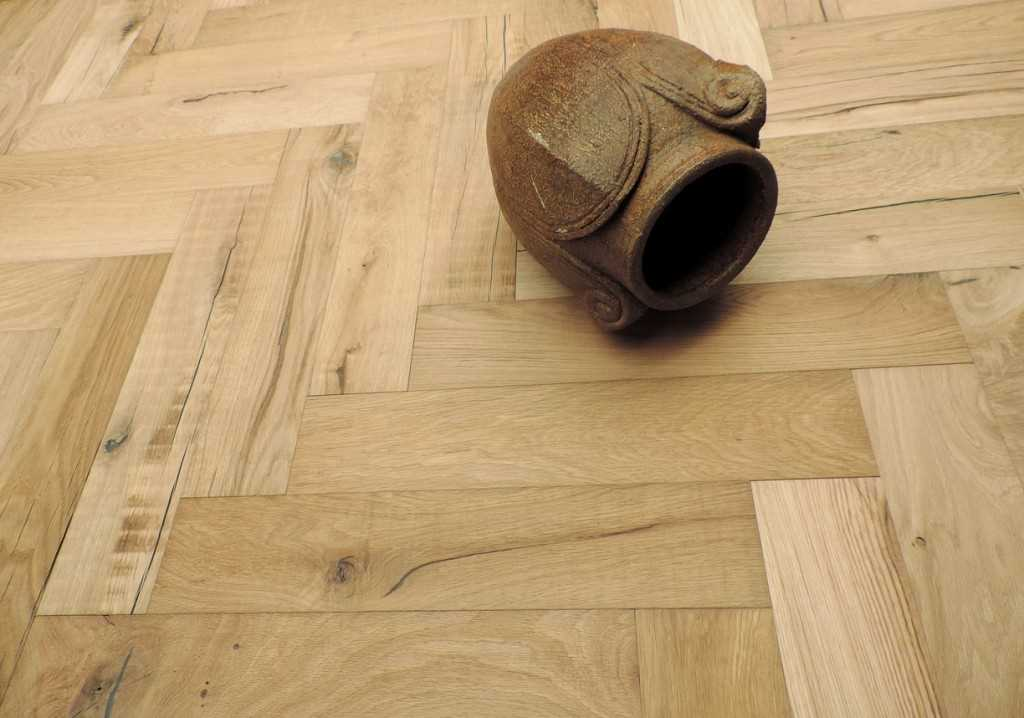 Oak reclaimed herringbone unfinished  Dutch Floors