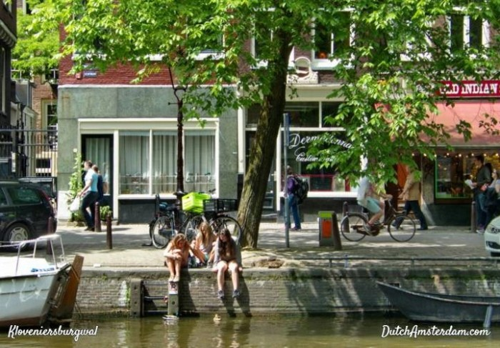 How many people drown in Amsterdam's canals