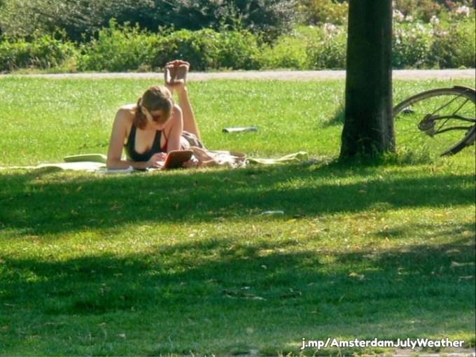 outdoor study girl