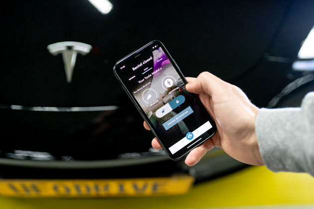 Digital service rental car