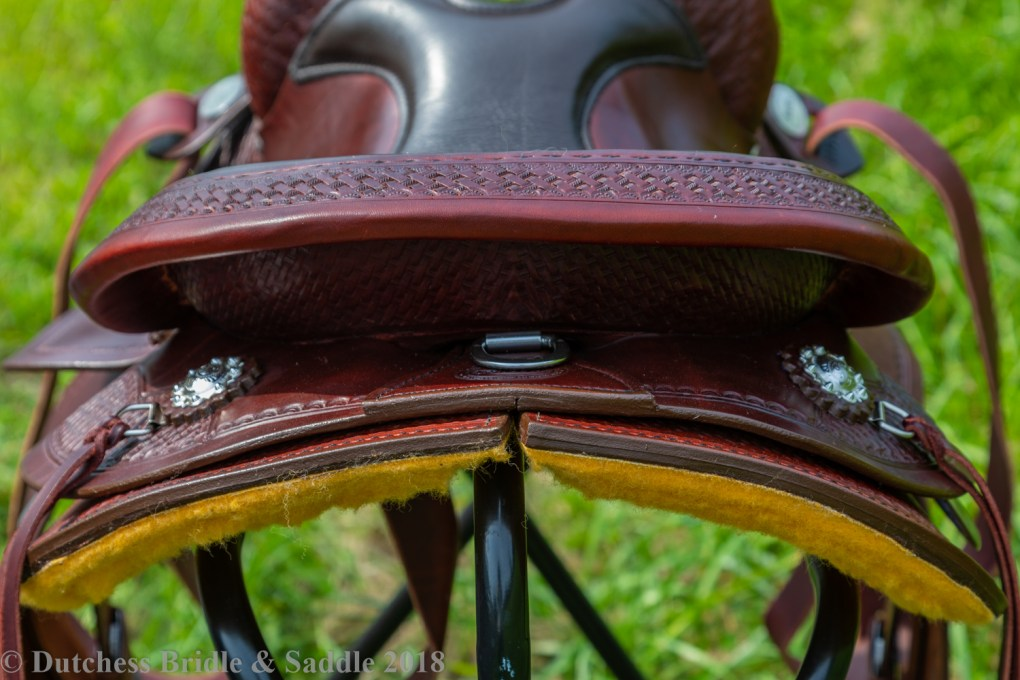 Crates Classic Trail Saddle cantle