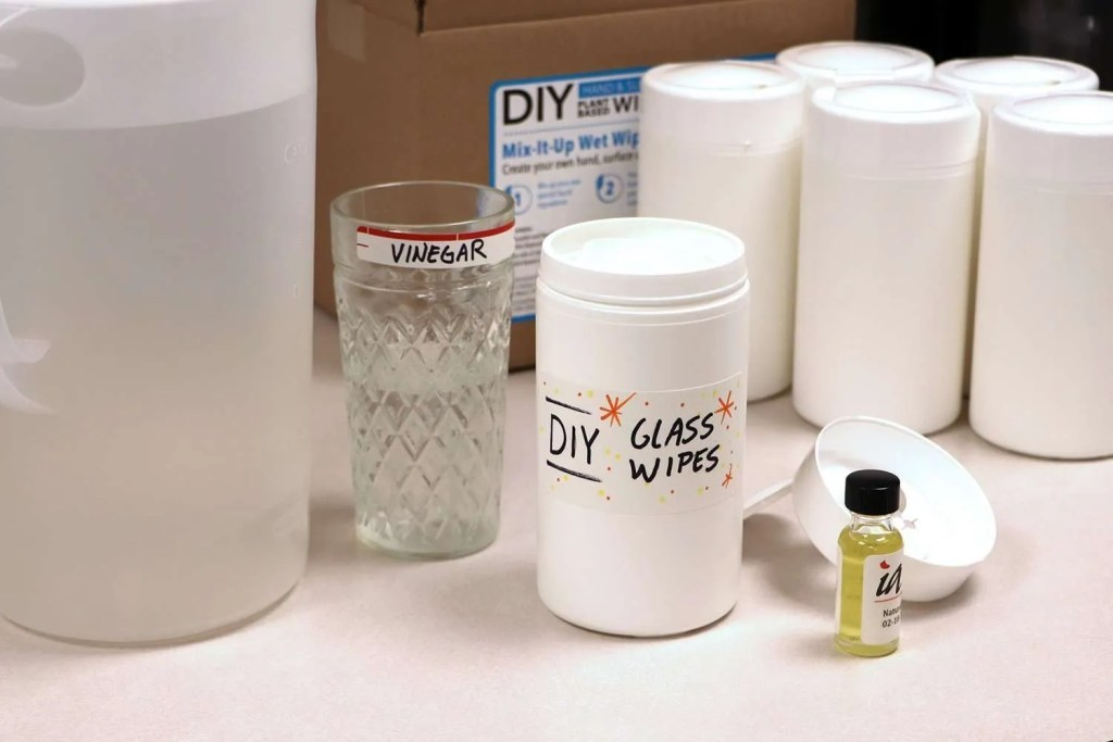 DIY Glass Wipes ingredients