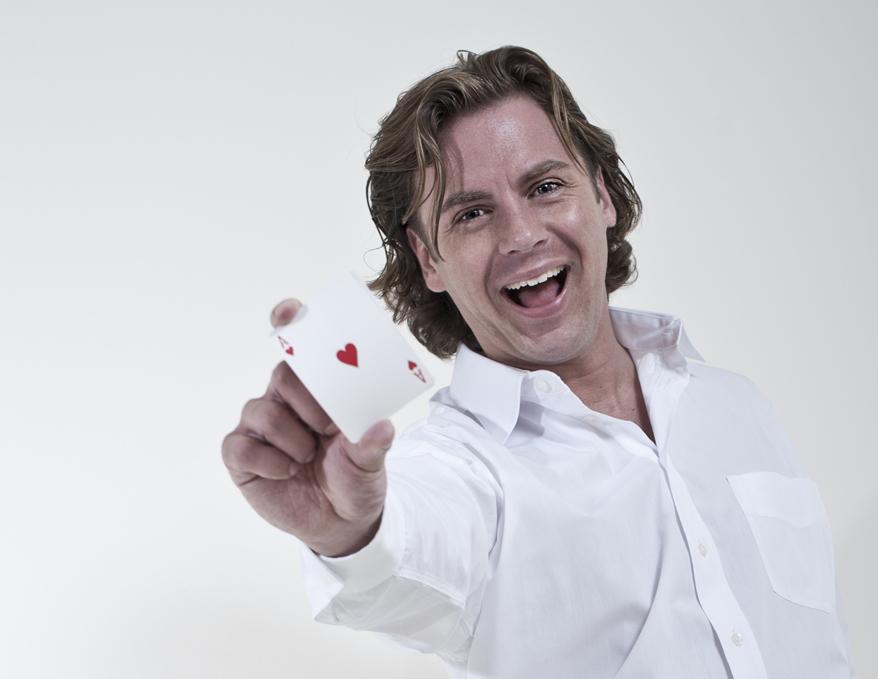 centrale act door goochelaar Martijn Martell