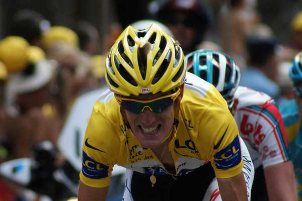 Hoeveel eten en drinken wielrenners tijdens de Tour de France?