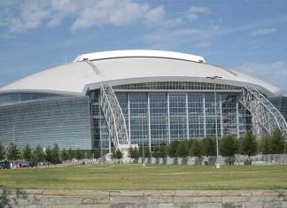 Grootste overdekte stadion is het AT&T Stadium in Arlington in de VS