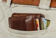 Vrouwen vinden mannen met geld aantrekkelijker