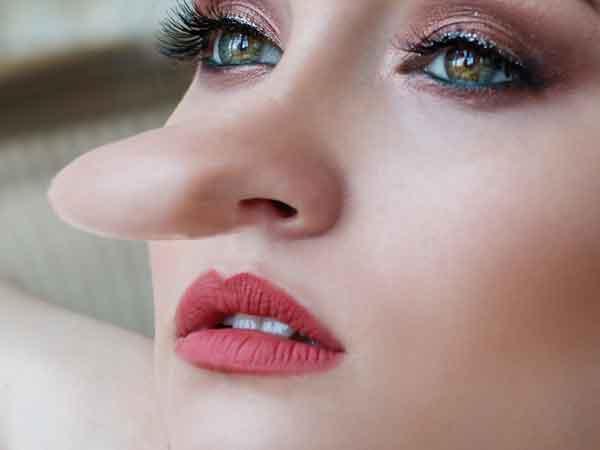 Waarover liegen vrouwen tegen mannen tijdens een date?