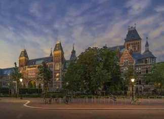 Het Rijksmuseum - Foto: John Lewis Marshall