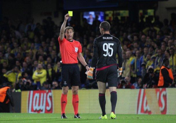 red champions league referee kit 2015 - Adidas'ın Başarı Hikayesi