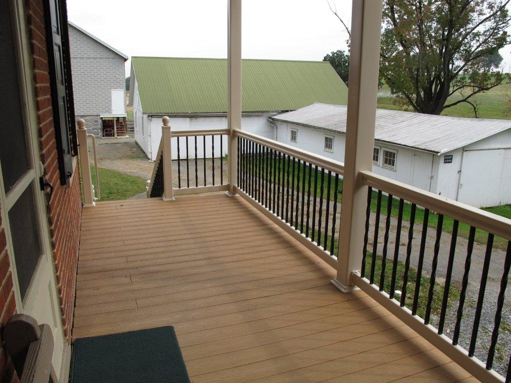 Vinyl Posts With Aluminum Balusters Dutchwaydutchway