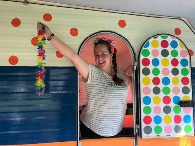 Hippiestijl caravan camping Pieterom Sleen