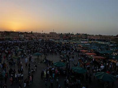 Zonsondergang op Jamaa El-Fna in Marrakesh