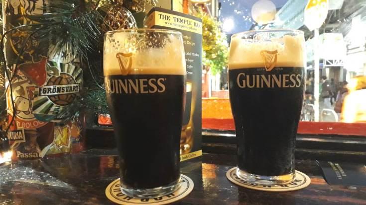 Onze eerste pintjes Guinness
