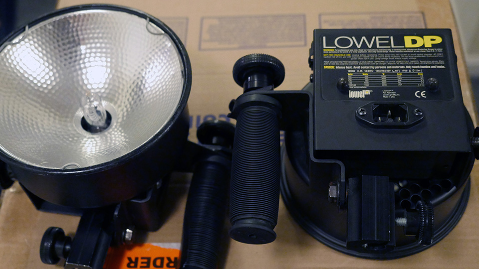 FSUSAKHI Lowel DP Lights 2 Omni Light Pro Light