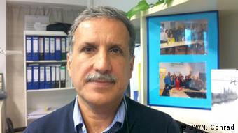 Hamid Nowzari, Geschäftsführer des Vereins iranischer Flüchtlinge in Berlin (DW/N. Conrad)