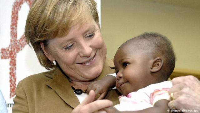 Bildergalerie Merkel mal anders - wir gratulieren zum 60. (picture-alliance / dpa)